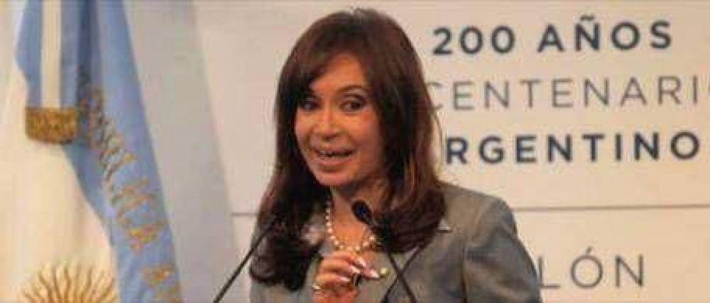 Cristina Kirchner se demoró más de una hora para hablar por cadena nacional