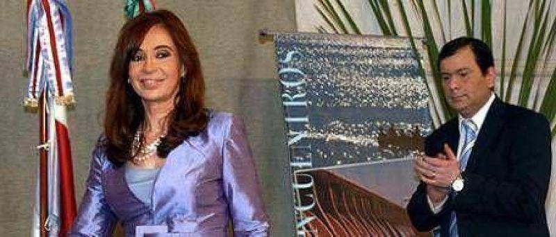 Caliente visita de Cristina a Santiago