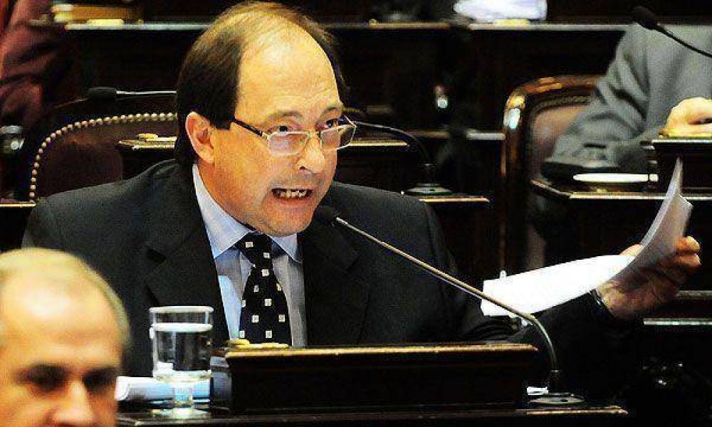 La UCR rechazó acuerdos con el peronismo disidente y con Duhalde