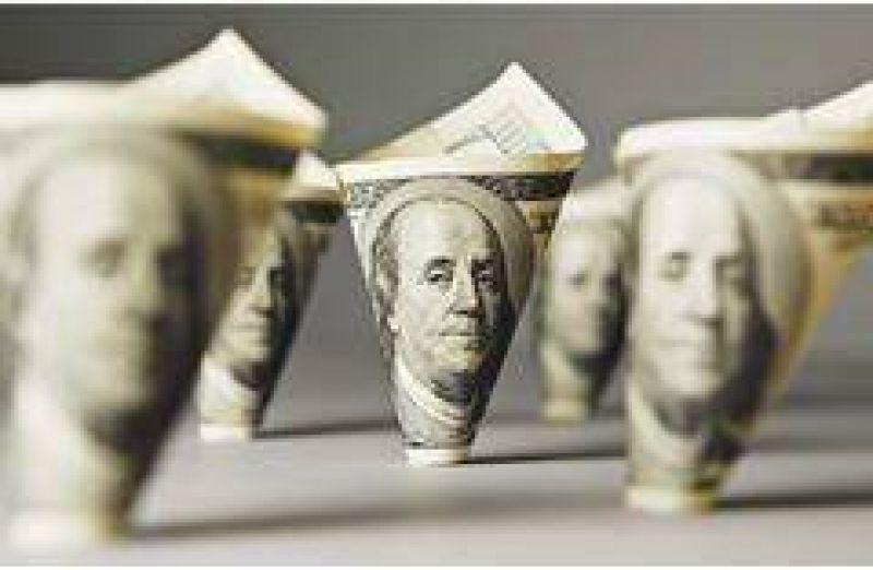 Redrado 'corta' la bicicleta financiera con retornos del 12% en los futuros de dólar