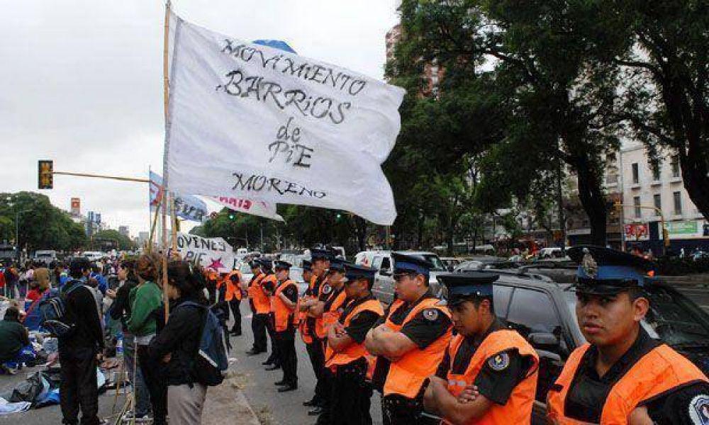 Los piqueteros que acamparon sobre la 9 de Julio amenazaron con realizar nuevas protestas
