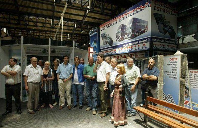 Baragiola recorrió la vieja terminal de ómnibus y le pegó duro a Otero