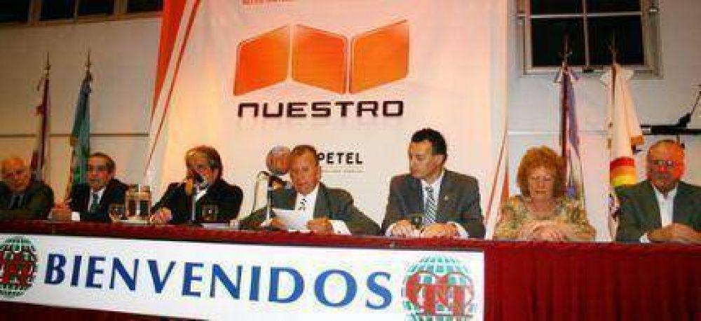 Mario Noejovich celebró 21 años en la Cooperativa Tejedor anunciando el lanzamiento de la telefonía celular Nuestro