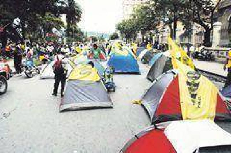 Tensi�n en Jujuy por grave crisis pol�tica y social
