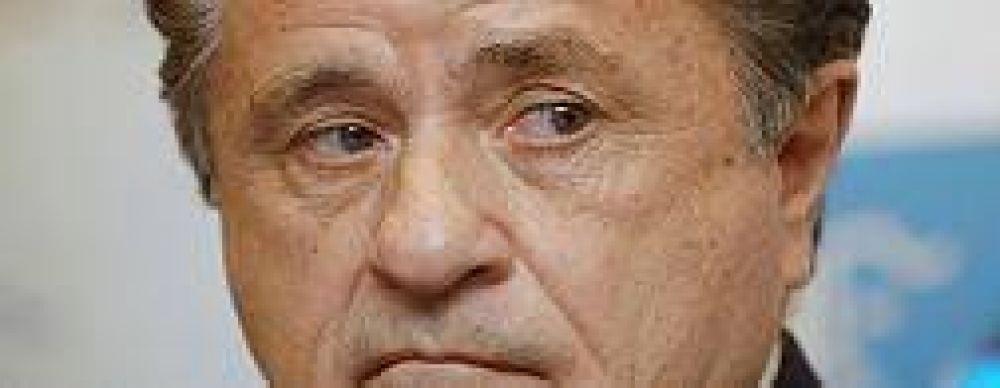 Duhalde criticó a Scioli y dijo que sería un candidato en 2011