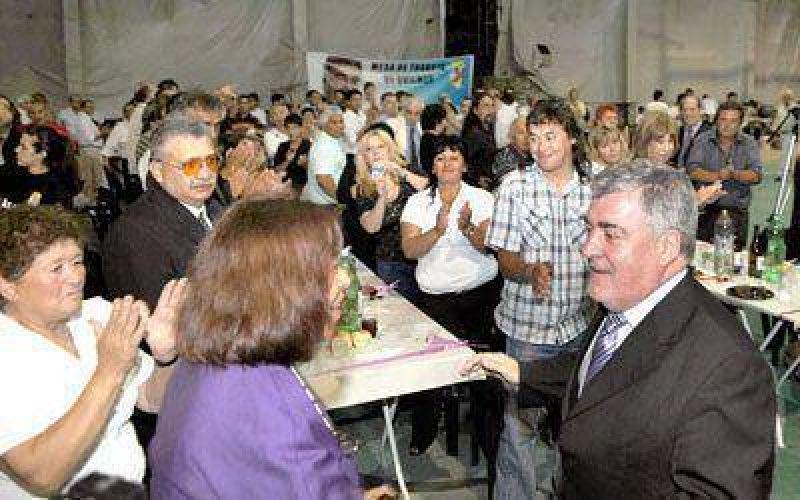 Das Neves realiz� en Platense su �ltimo acto de campa�a 2009