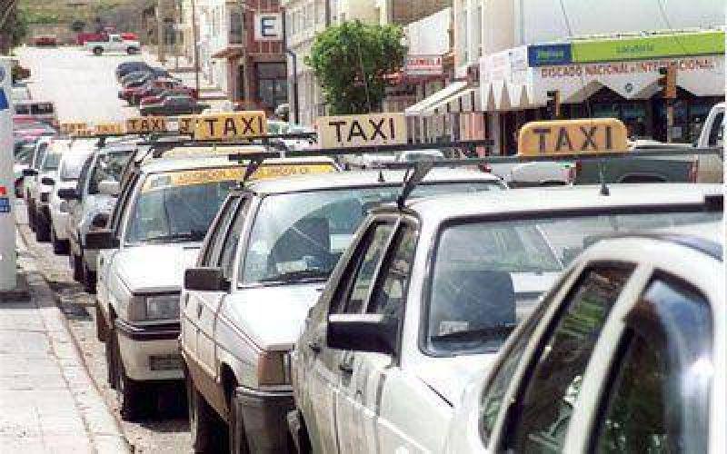 Concejales aprobarán el aumento en los taxis