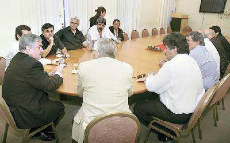 El Gobierno y la CGT del Valle se reunir�n una vez por mes