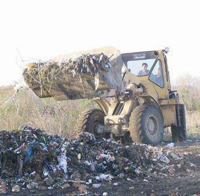 Comenzó el depósito de basura en el polémico predio de Talita