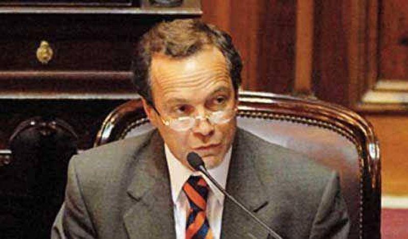 """Giustiniani: """"El gobierno ahoga a las provincias"""""""