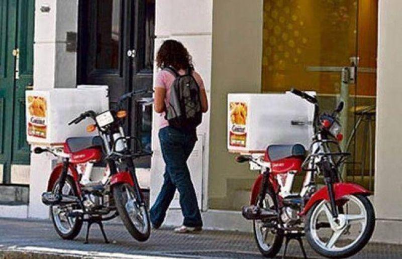 Piden sancionar a empresas con deliverys que no usen casco