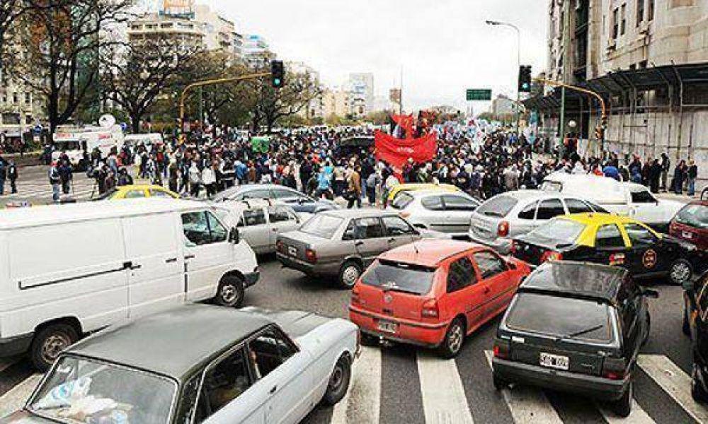 Varios grupos de piqueteros se movilizarán en la Capital