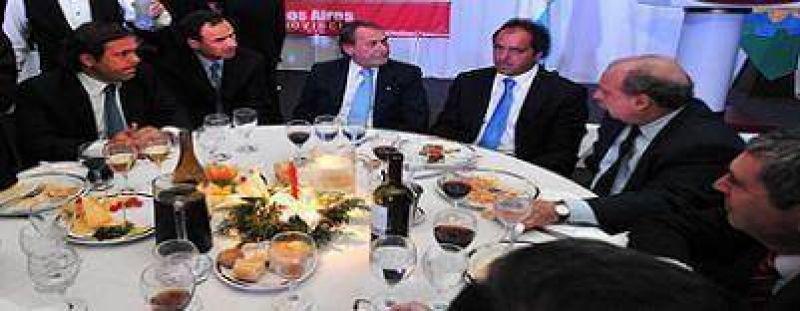 """Scioli pidió 'redoblar esfuerzos contra la Inseguridad"""" en Pcia."""