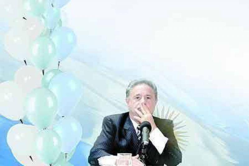 Duhalde lanz� su candidatura a presidente