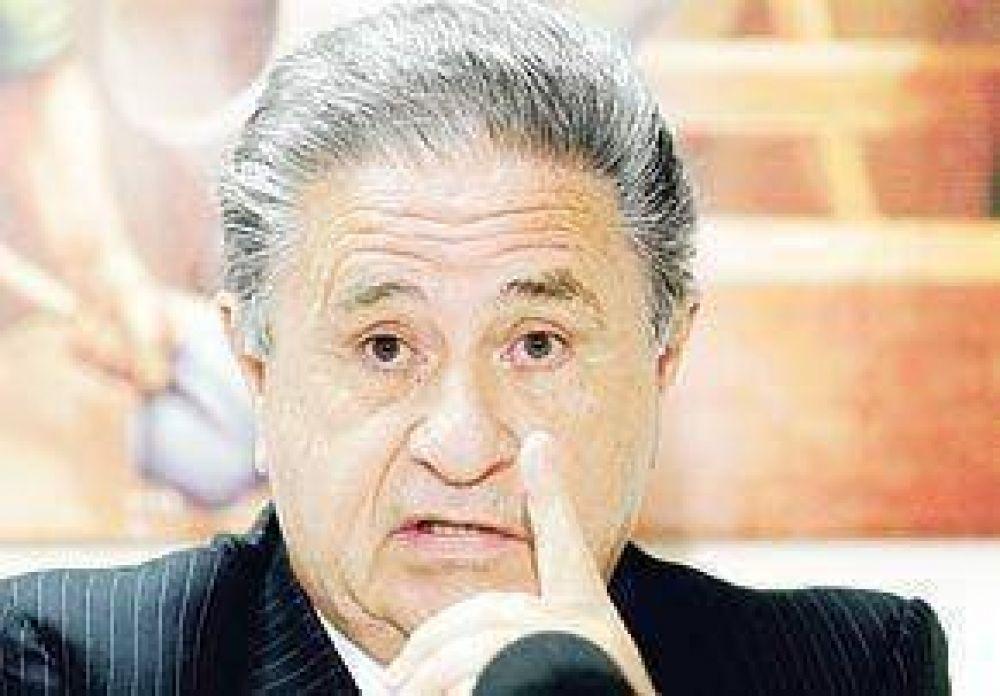 Duhalde ya habla de posibles ministros y en el PJ lo critican