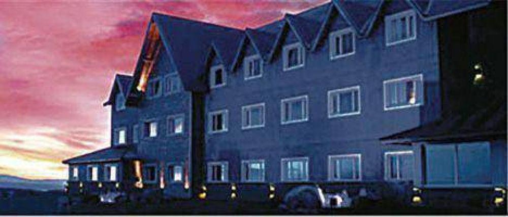 El hotel del matrimonio K factura gracias a los favores del intendente