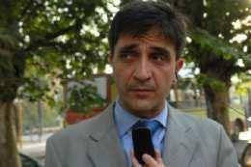 Yedlin defiende la legitimidad de la tasa de decesos infantiles