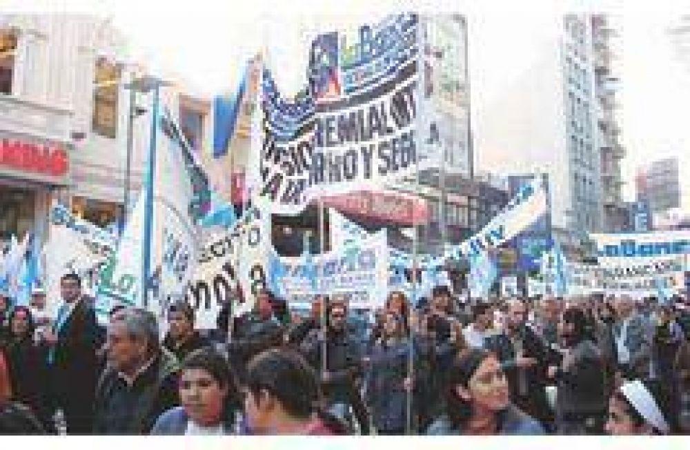 Gremios proyectan aumentos salariales de entre un 22% y 24% para el 2010