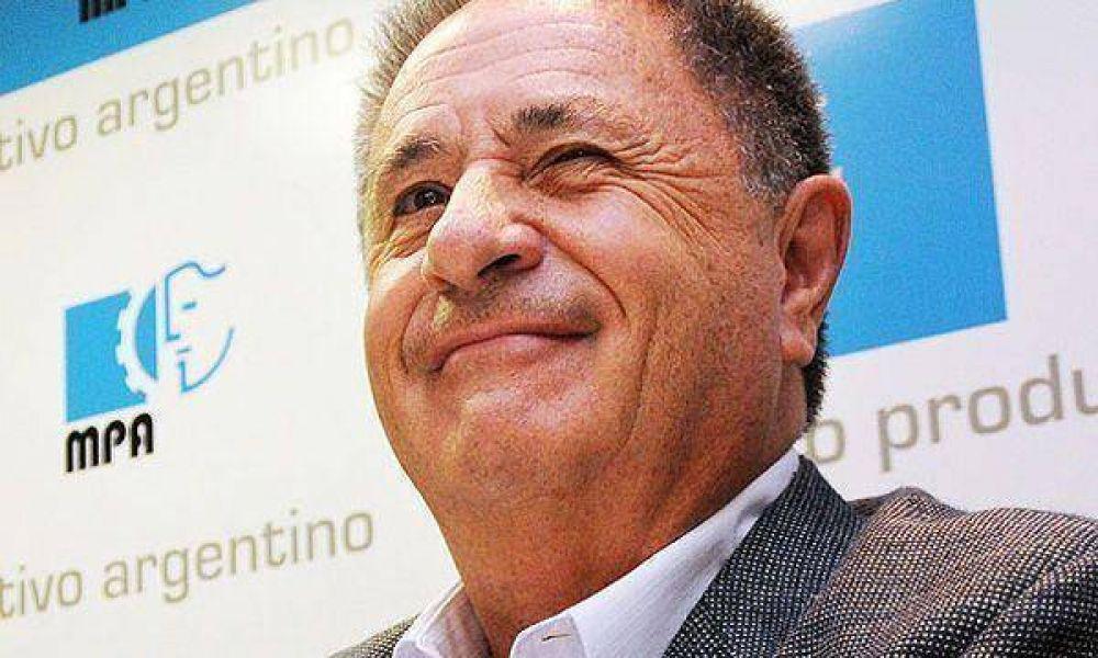 Duhalde calificó a Chávez como un político que se quedó en 1940