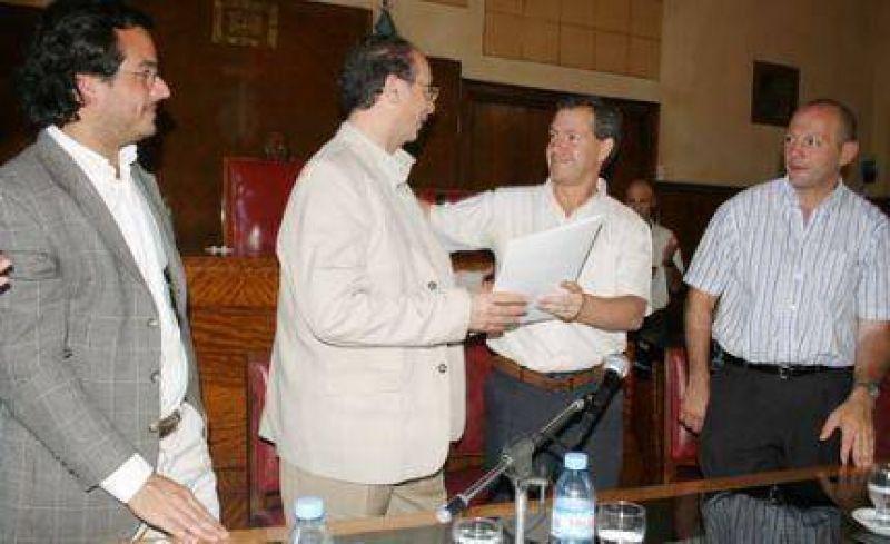 El Concejo dio su respaldo a la creaci�n del Instituto Superior de Formaci�n T�cnica por parte de los Mercantiles