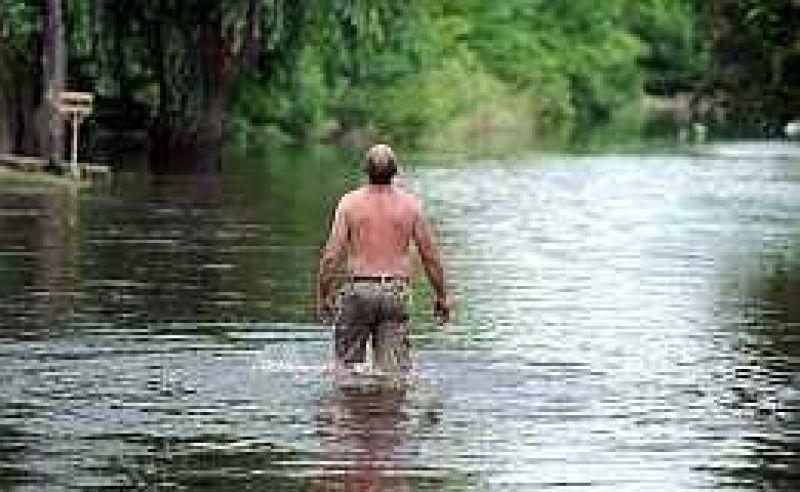 De Vido presentó ante la Justicia la denuncia por los canales ilegales en San Antonio de Areco