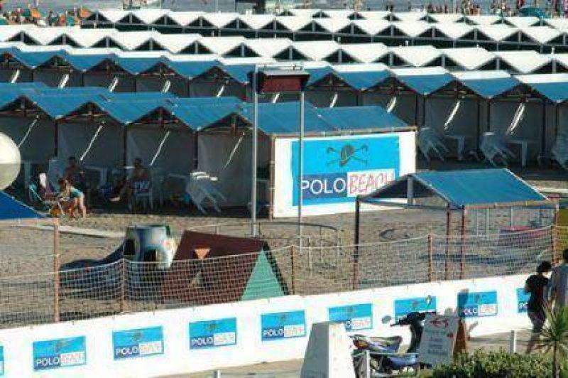 Pulti va ganando: La Justicia ordenó desalojar los balnearios 4 A y 8 de Playa Grande y temen escándalo en pleno verano