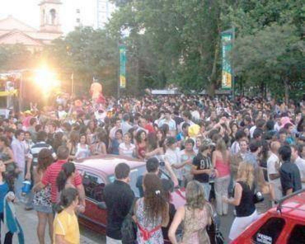 Una multitud celebró la llegada de 2010 en la Plaza