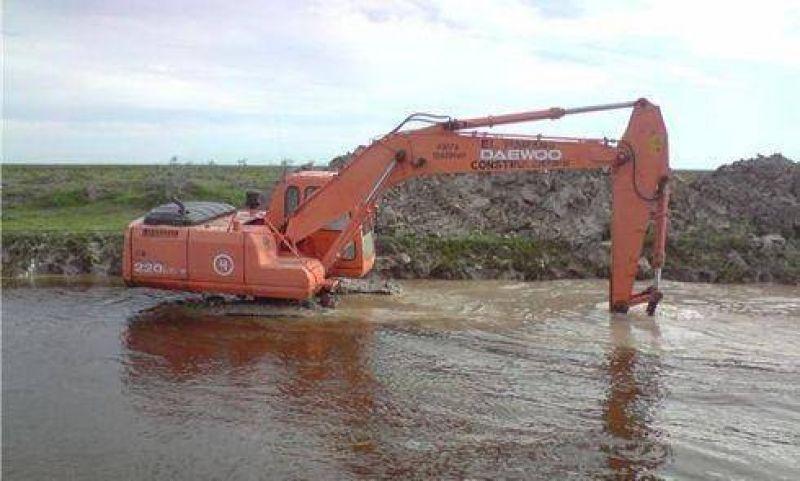 Limpieza del arroyo Santa María recupera tierras para la producción