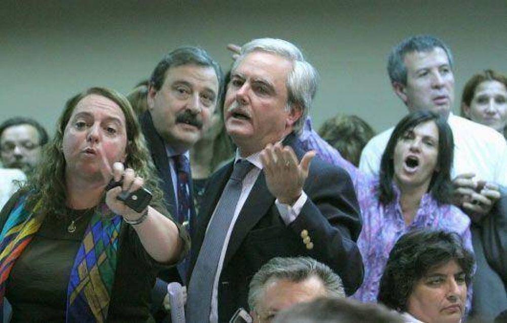 El PRO salió en defensa de Guelar y cuestionó al ministro Julio Alak