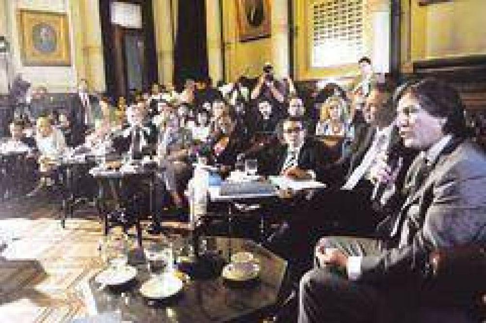 DNU: fuerzan hoy llamado a sesión especial del Congreso en febrero