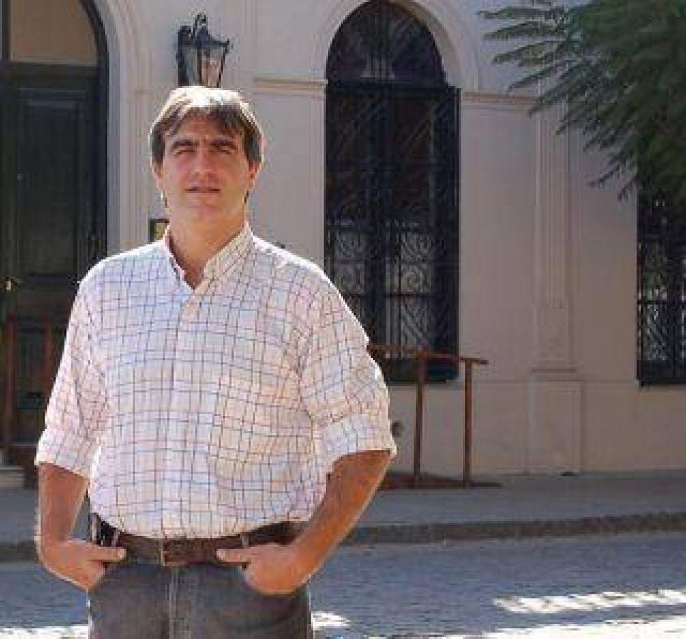 Bossio le pidió la renuncia a su segundo por defender al campo