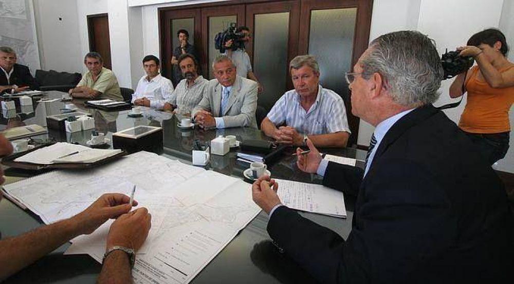 Un comité de equipos técnicos monitorea la crecida del Paraná