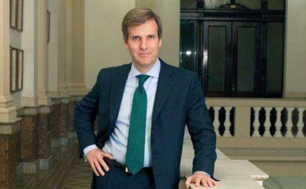 """""""Redrado debería renunciar para contribuir a preservar la estabilidad del sistema financiero"""""""