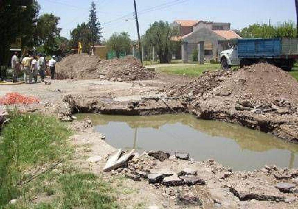 Colapsó el colector cloacal de Luján de Cuyo y Maipú