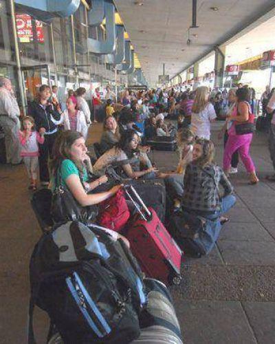 Sorpresivo paro de micros en Retiro generó demoras en la llegada a la ciudad