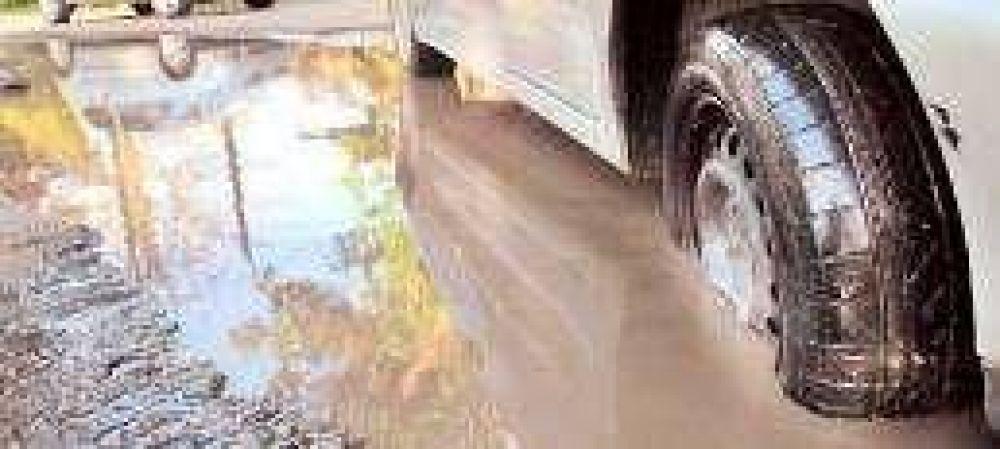 Las continuas lluvias de diciembre causaron estragos en el pavimento