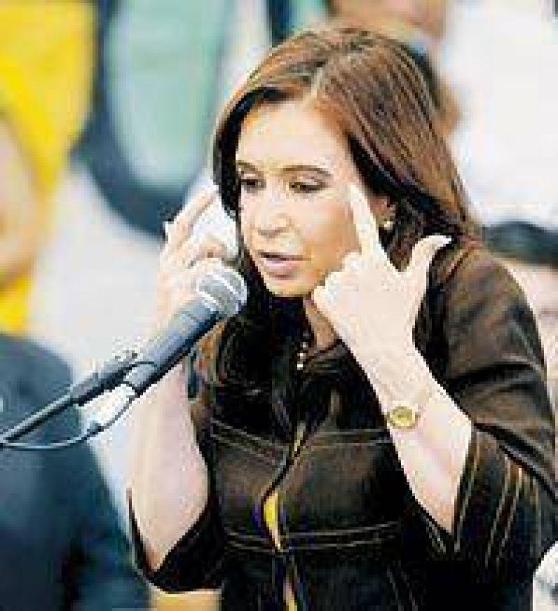 """Cristina: """"Que Cobos aprenda cuál es el rol del vicepresidente"""""""