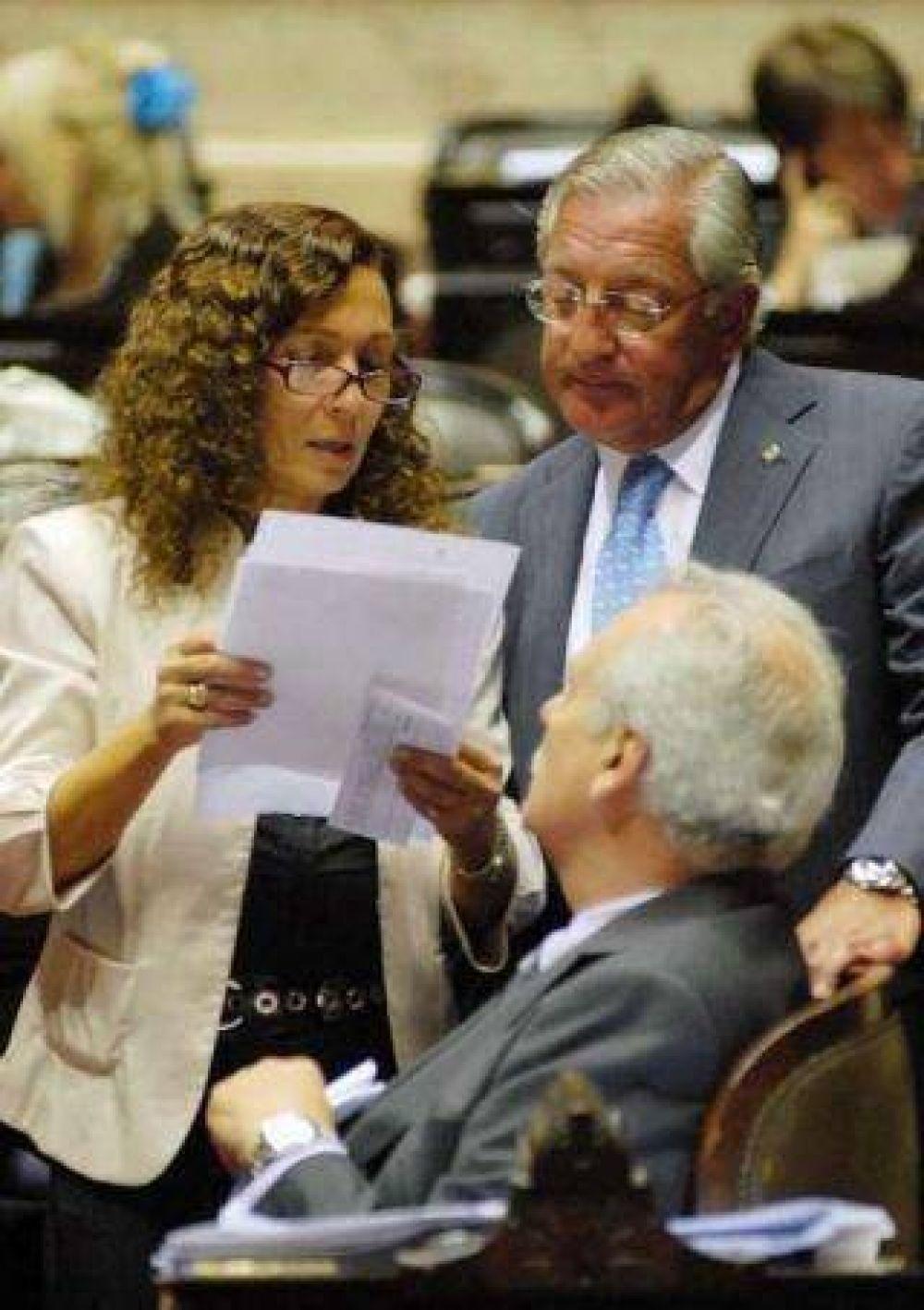 El kirchnerismo negocia: Fellner llama a reunión a los jefes de bloques