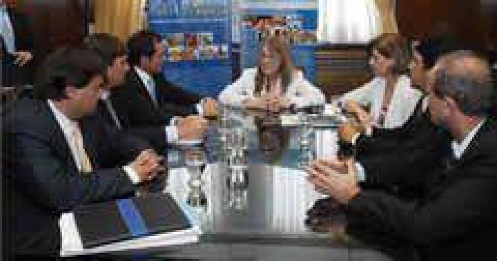"""El intendente firmó el convenio """"Argentina trabaja"""""""