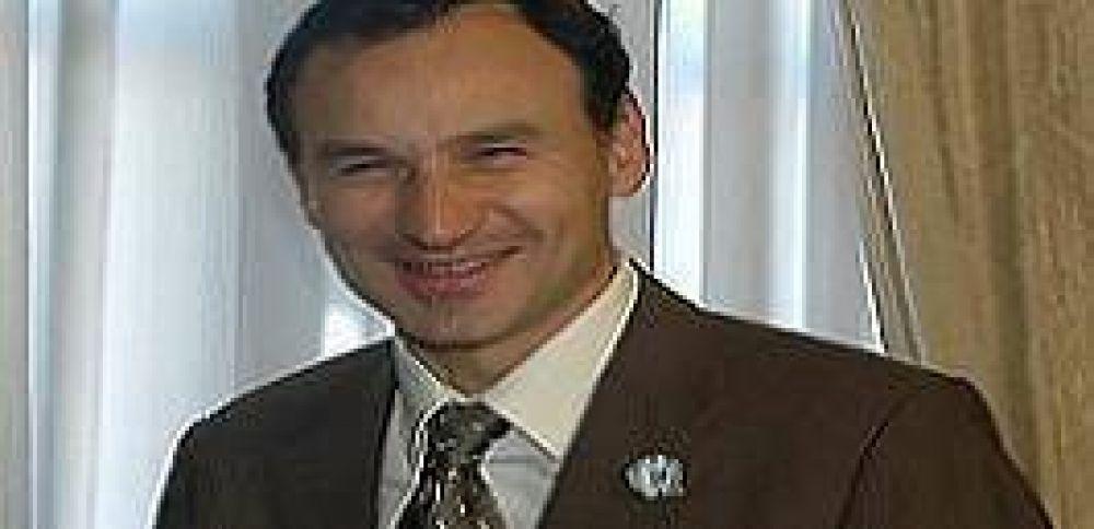 Bruera refuerza su 'campaña' y manda mensajes a Daniel Scioli