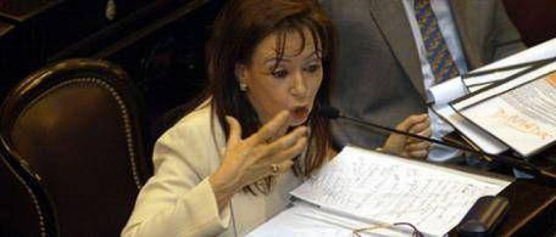 En 2001, Cristina defend�a el derecho del Congreso a autoconvocarse