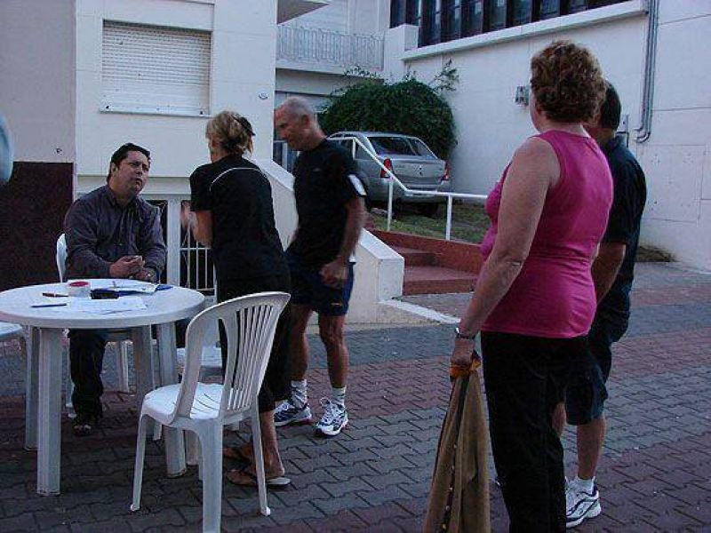 Tasas: muchas quejas a los concejales en el veredón