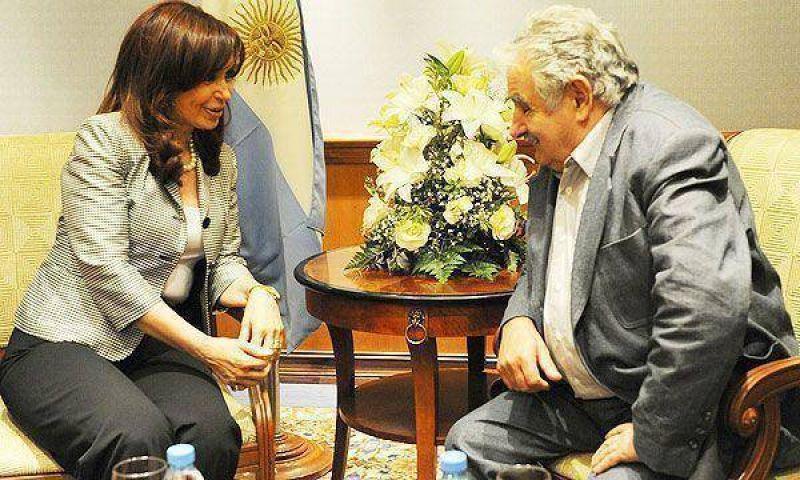 La Presidente y Mujica se reunir�n por el conflicto de la pastera