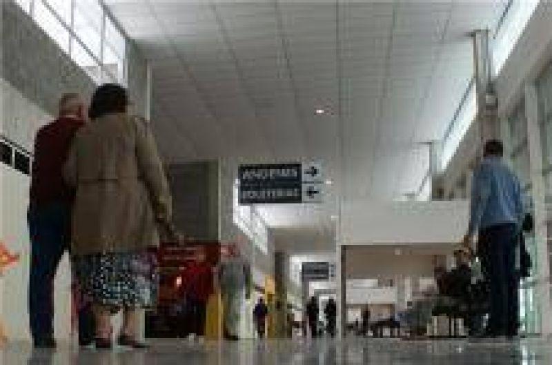 Permiten ingreso provisorio de remises a la Terminal
