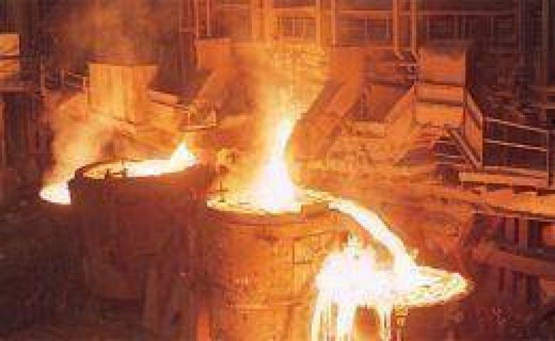 En 2009 la producción siderúrgica bajó 28%, pero en diciembre aumentó 47%