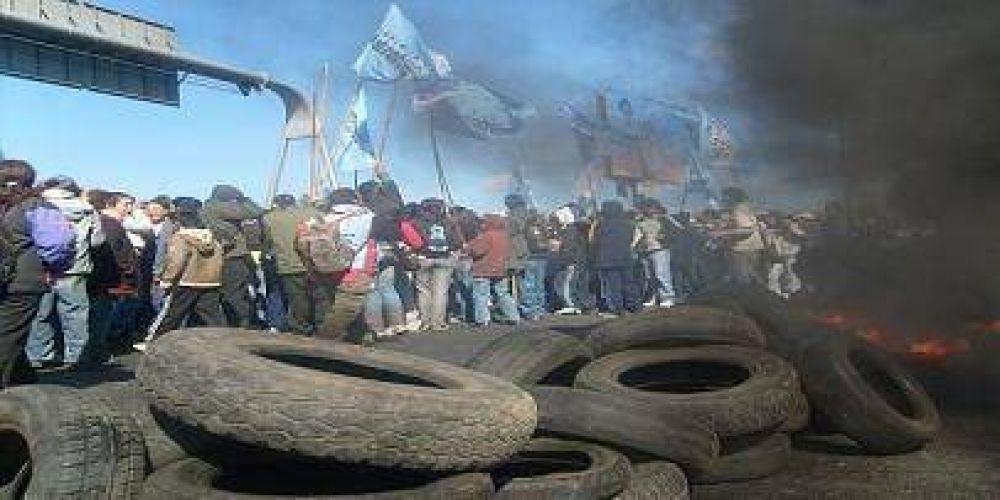 Grupos piqueteros protestaron en el Conurbano y Capital Federal