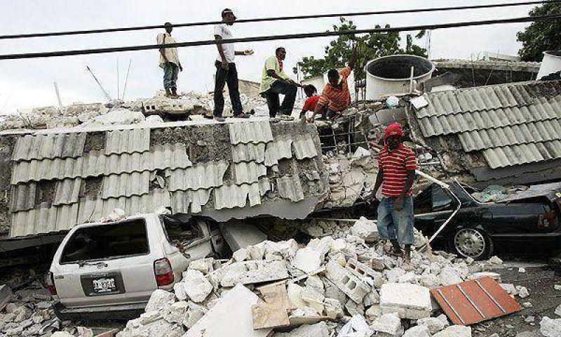 Cifras oficiales: suman 70 mil los muertos por el terremoto