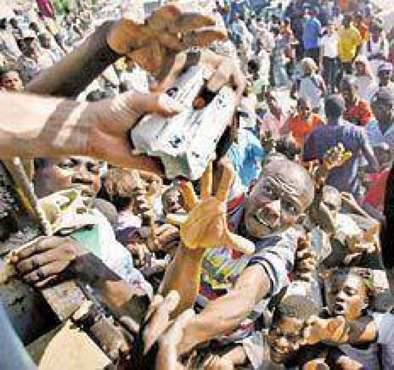 Haití: comienza a distribuirse la ayuda pero la situación aún es grave