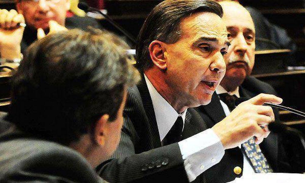 El oficialismo cargó contra el Vicepresidente y consideró que tiene que dejar de ser un obstáculo
