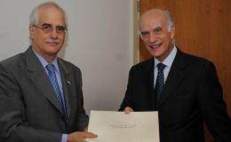 Taiana se reunió con los flamantes embajadores de Italia y Brasil